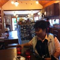 Photo taken at Baan Tua Lek Coffee by Pachara S. on 1/14/2011