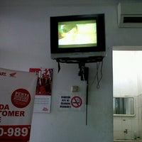 Photo taken at Zirang Motor AHASS 10019 by Chu B. on 2/8/2012