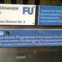 Das Foto wurde bei Freie Universität Berlin von pedro a. am 9/6/2012 aufgenommen