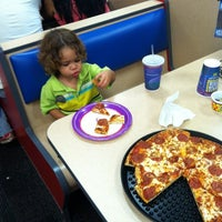 Photo taken at Chuck E. Cheese's by Enrique D. on 2/19/2012