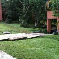 Photo taken at Facultad de Arquitectura de la UV by Oswaldo on 8/20/2012