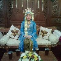 Photo taken at Gedung Pertemuan Al-Irsyad by Gia A. on 9/2/2012