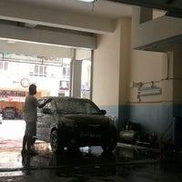 Photo taken at Pusat Kecantikan Kereta - My Car Wash, Seksyen 15 Shah Alam by yazrin y. on 3/23/2012