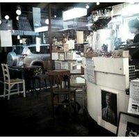 Photo taken at Memphis Belle Coffee House by Hans P. on 3/21/2012