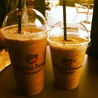 Photo taken at Gloria Jean's Coffees by Kitty C. on 8/14/2012