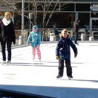 Photo taken at Kendall Square Community Ice Skating by Alex W. on 2/26/2012