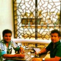 Das Foto wurde bei Hushh von Shilavadra B. am 8/2/2012 aufgenommen