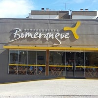 Photo taken at Hamburgueria Bumerangue by Ricardo L. on 7/4/2012