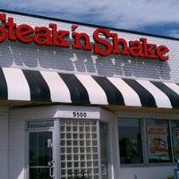 Photo taken at Steak 'n Shake by Kirk K. on 8/18/2012