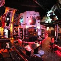 9/3/2012 tarihinde Firat Sanziyaretçi tarafından Kule Rock City'de çekilen fotoğraf