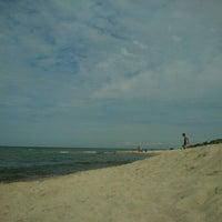 Photo taken at Nidos centrinis pliazas/ Nida Beach by Asta G. on 8/17/2012
