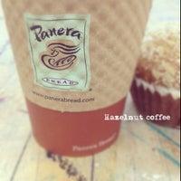 Foto tomada en Panera Bread por Samantha O. el 2/14/2012