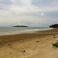 Photo taken at Tanjung Aru Beach by adeep on 7/10/2012