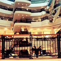 Foto tirada no(a) Shopping Iguatemi por Jaqueline B. em 2/27/2012