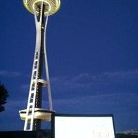 8/20/2012にKatherine H.がSeattle Center - Movies at the Muralで撮った写真