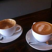 4/15/2012 tarihinde Katrine J.ziyaretçi tarafından Café Pamenar'de çekilen fotoğraf