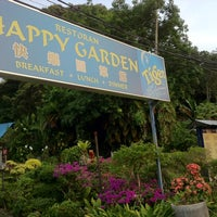 Photo taken at Happy Garden by Wai Onn C. on 8/14/2012