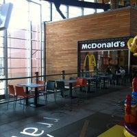 Foto tomada en McDonald's por Imad b. el 8/21/2012