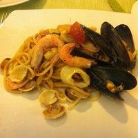 Photo taken at Aurora Ristorante, Pizzeria by La on 8/2/2012