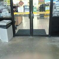Foto scattata a Corner Store da John T. il 5/14/2012