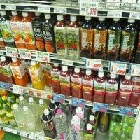 Photo taken at オオゼキ 久が原店 by Tatsuya N. on 7/22/2012