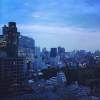 Снимок сделан в 青山陸橋 пользователем Miyuki W. 4/19/2012