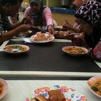 Photo taken at Sri Teja Food Court (Medan Selera) by Ariffumi on 4/15/2012