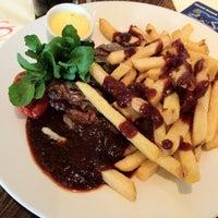 Снимок сделан в Sophie's Steakhouse & Bar пользователем Minyahil K. 9/1/2012