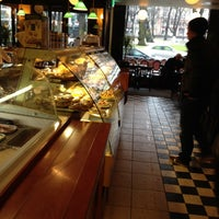 Das Foto wurde bei Café Esplanad von Paavo P. am 4/20/2012 aufgenommen