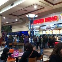 Foto tomada en Patio de Comidas Mall Florida Center por Juni C. el 6/3/2012