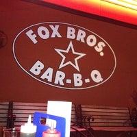 Das Foto wurde bei Fox Bros. Bar-B-Q von Michelle A. am 6/5/2012 aufgenommen