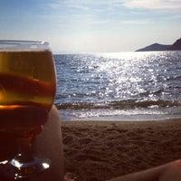 6/3/2012 tarihinde Eser A.ziyaretçi tarafından Pina Lounge Cafe & Beach'de çekilen fotoğraf