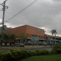 Photo taken at C.C Maracay Plaza by Rafael M. on 8/30/2011