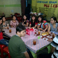 "Photo taken at Lesehan Ikan Bakar ""Pak Lek"" by Lennie L. on 11/4/2011"