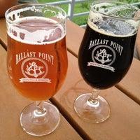 Das Foto wurde bei Ballast Point Brewing & Spirits von Roger M. am 9/2/2012 aufgenommen