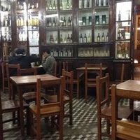 Foto tomada en Queirolo Restaurant & Bar por Vincent D. el 5/29/2012