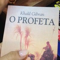 Foto tirada no(a) Livraria Leitura por Luciana D. em 7/26/2012