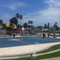 Photo taken at Venice Beach Basketball Courts by Kris C. on 7/5/2011