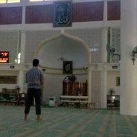 Photo taken at Masjid Al-Muttaqin Wangsa Melawati by 파이살 on 11/26/2011