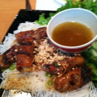Photo taken at Saigon Bay Vietnamese Restaurant by Caroline B. on 9/13/2011