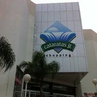 Photo taken at Cataratas JL Shopping by Rodrigo S. on 2/28/2011