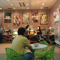 Photo taken at Cafeteria | Health Promotion Board by サッカロマイセス ・. on 10/29/2011