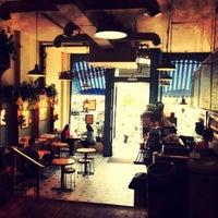 Foto scattata a The Market Cafe da Michael N. il 5/20/2012