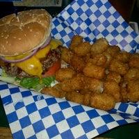 Das Foto wurde bei JT's Pub & Grill von John S. am 6/1/2012 aufgenommen