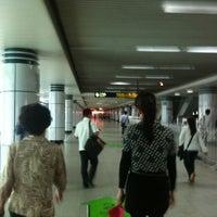 Foto tomada en People's Square Metro Station por 郭 建. el 5/9/2011