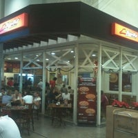 Photo taken at Pizza Hut by Rodolfo M. on 12/12/2011