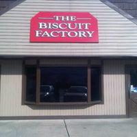 Foto diambil di The Biscuit Factory oleh Michael J. pada 12/24/2011