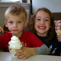 Photo taken at Dairy Queen by chris w. on 12/5/2011