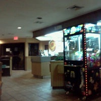 Photo taken at Pizza Hut by Nicholas B. on 8/21/2011