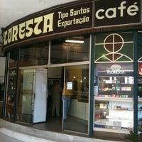 Foto scattata a Café Floresta da Aldine P. il 8/30/2011